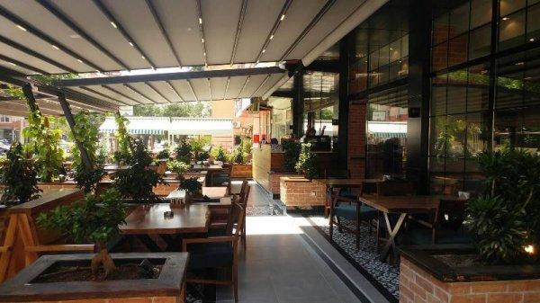 Via Venüs Cafe Restaurant